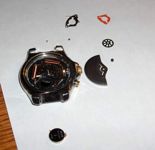 disassembled view of seiko 5M62 watch battery
